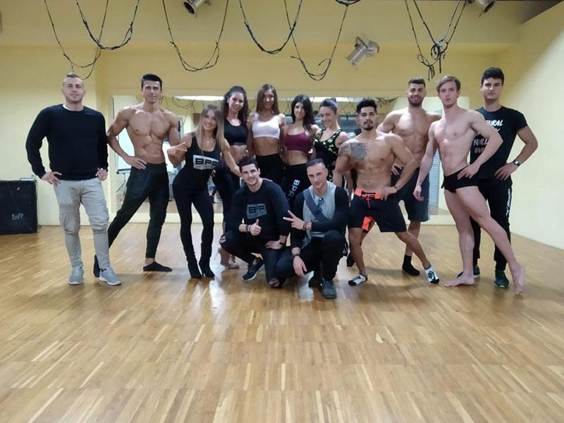 Atleti dopo allenamento corso natural body building